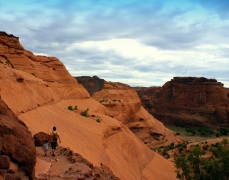 Walking down in Canyon de Chelly to the White House Ruin in Northeastern Arizona. (Photo/Kendra Yost)